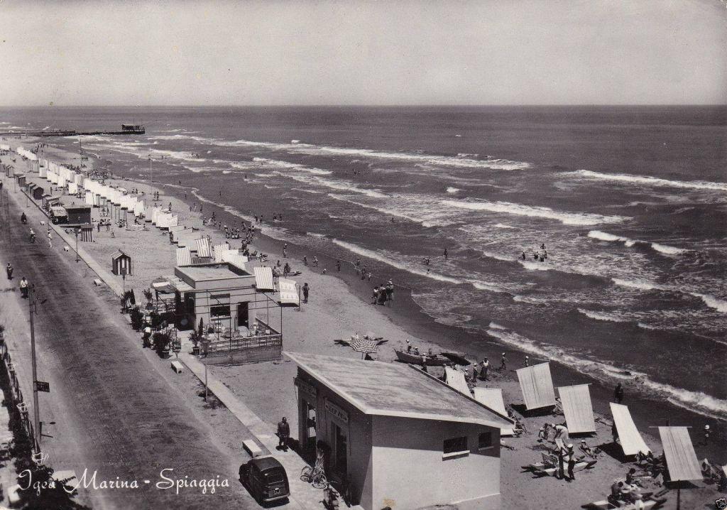 La storia hotel elios bellaria igea marina for Piani di lusso di una sola storia